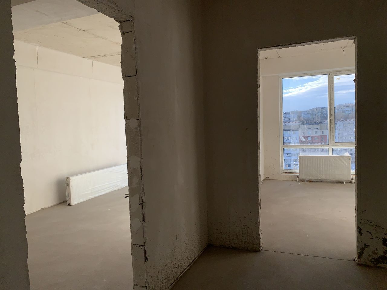 sec. Ciocana, variantă albă! Apartament cu 3 camere 90m.p !