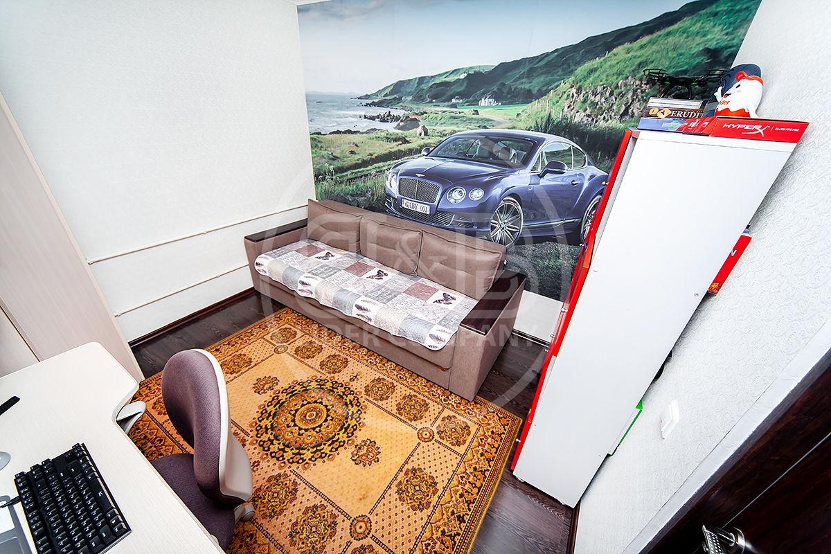 Apartament cu 2 camere + living euro reparat mobilat Botanica Toamna De Aur