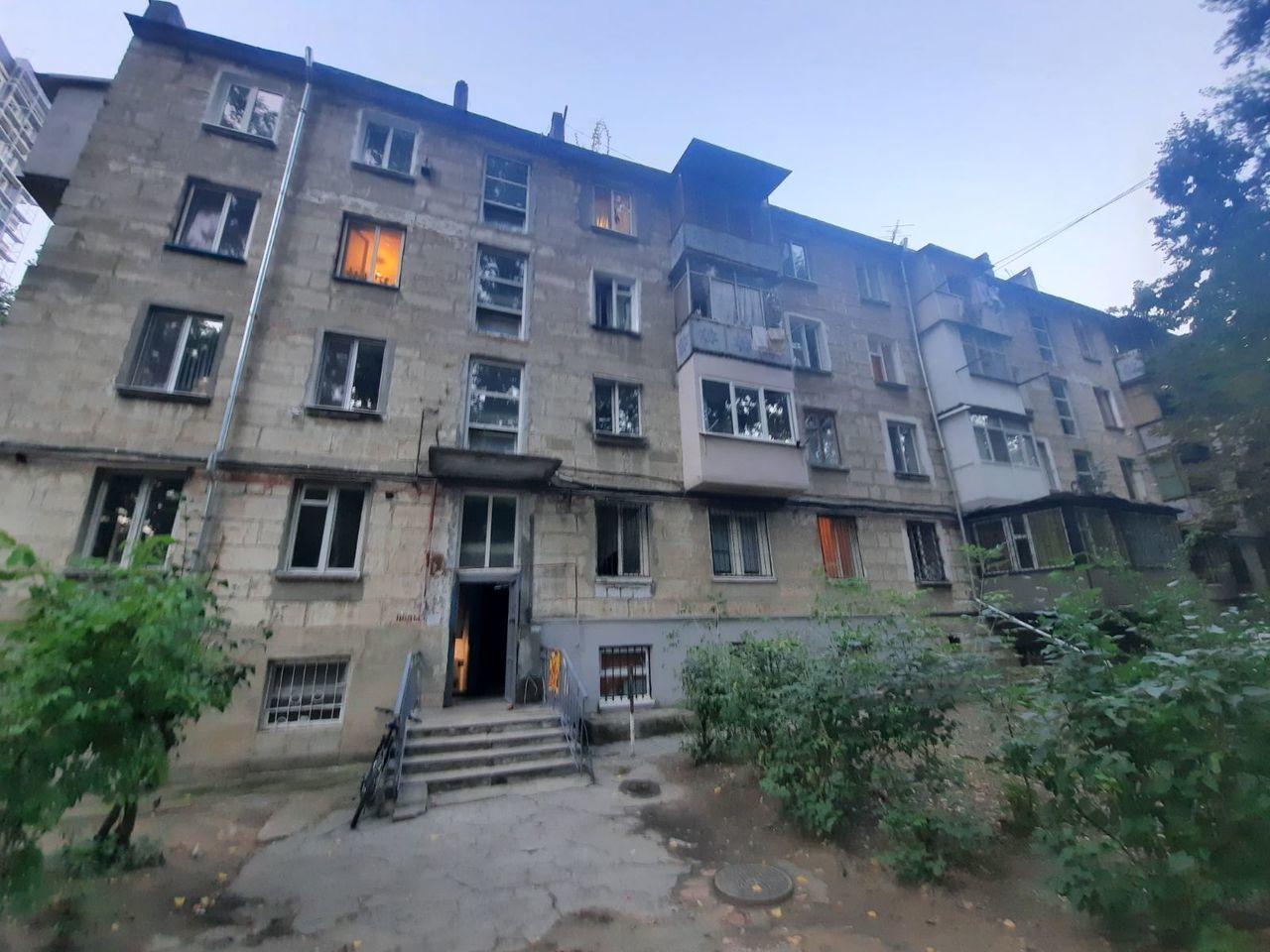 Botanica str. Minsk! Apartament cu 2 camere separate reparat!