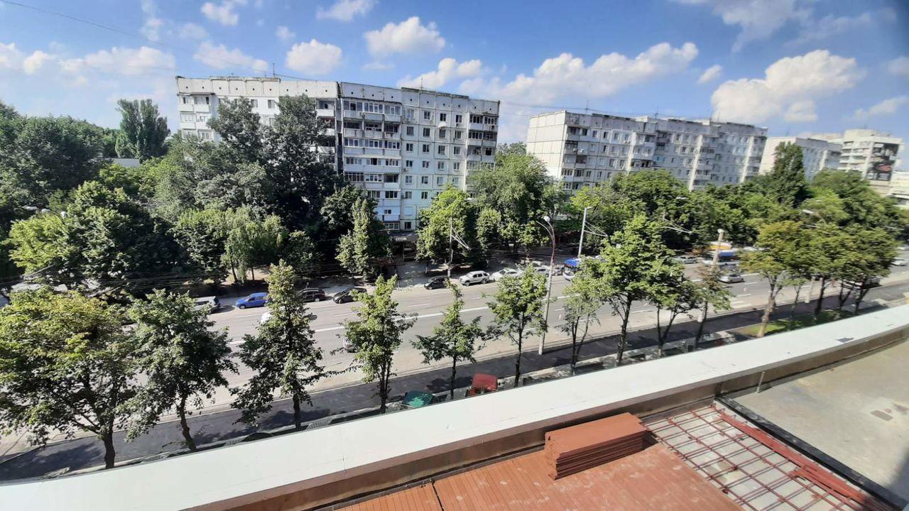 Rîșcani, str. Bogdan Voievod - Apartament 2 camere + living în variantă albă cu 81.4 M2 et 3