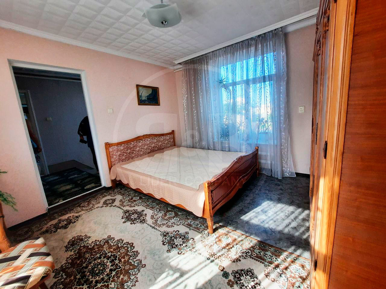 sectorul Centru ! Se vinde casa in 3 nivele , 140 m2 + constructie accesoriu 40 m2+ subsol