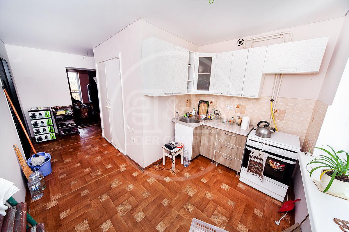 Apartament cu 3 odai, 70 m2 ! Buiucani, str. Calea Iesilor !
