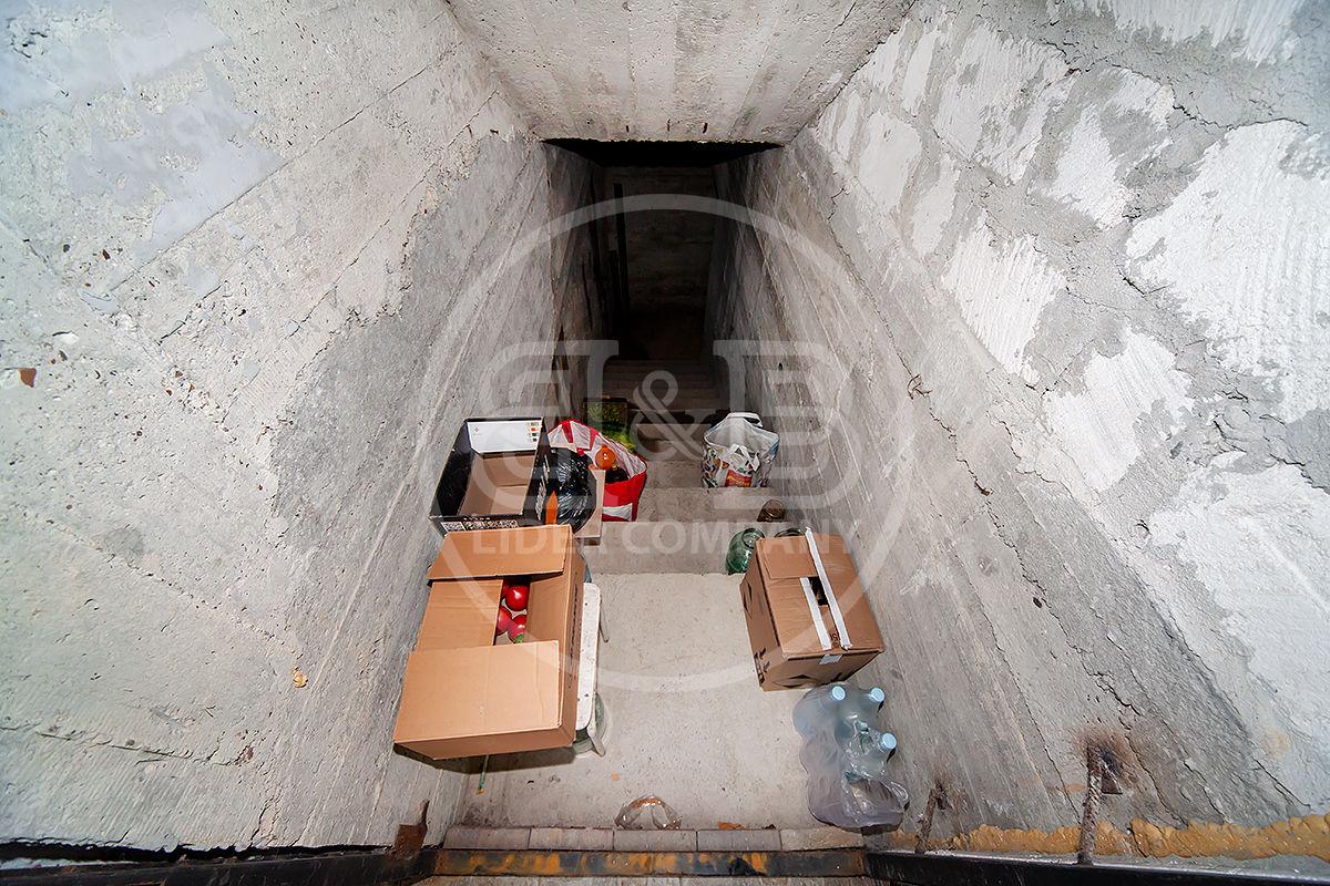 Casă în Colonița cu 2 nivele + subsol teren de 7,5 ari str. Ștefan Cel Mare Prima Linie