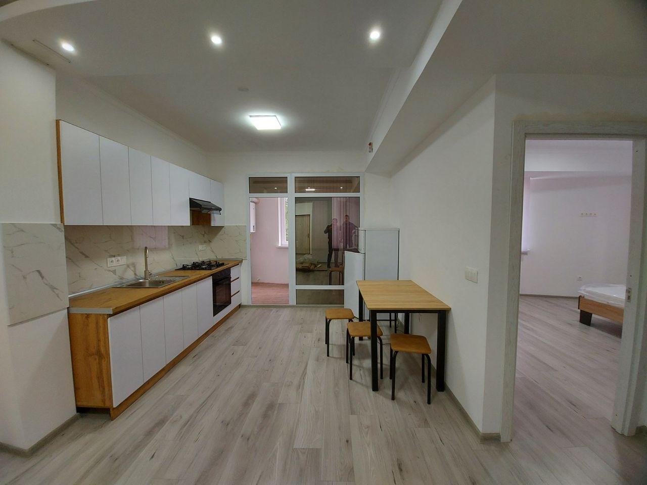 Urgent spre Chirie apartament cu 2 camere 66 m2 reparat mobilat