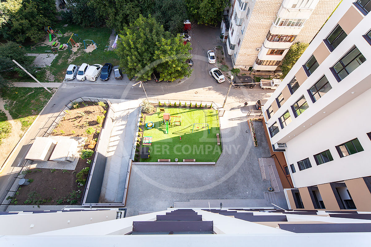 Apartament în sect. Buiucani, 2 camere reparație euro, 62 mp str. Alba Iulia