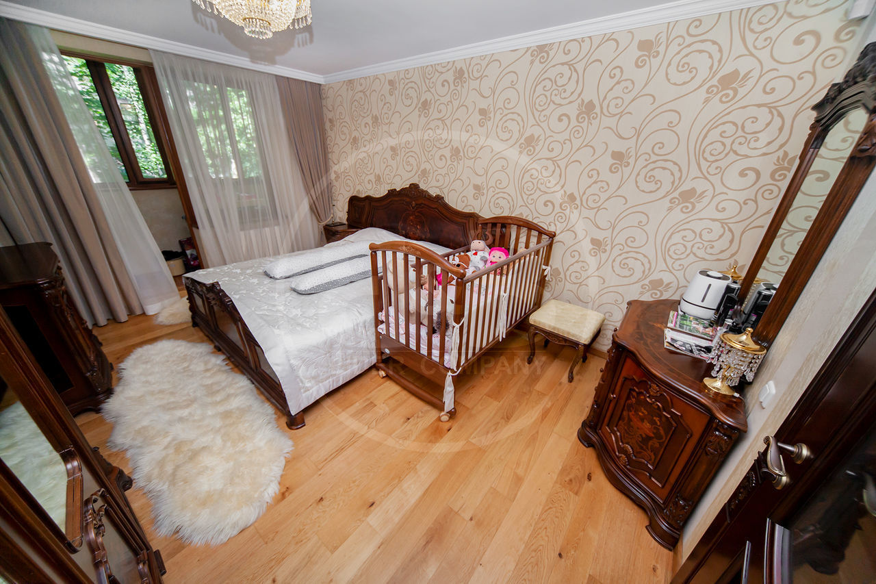 Apartament cu 2 camere separate + living 85 m2 mobilat , reparat str. Matei Basarab Rîșcani