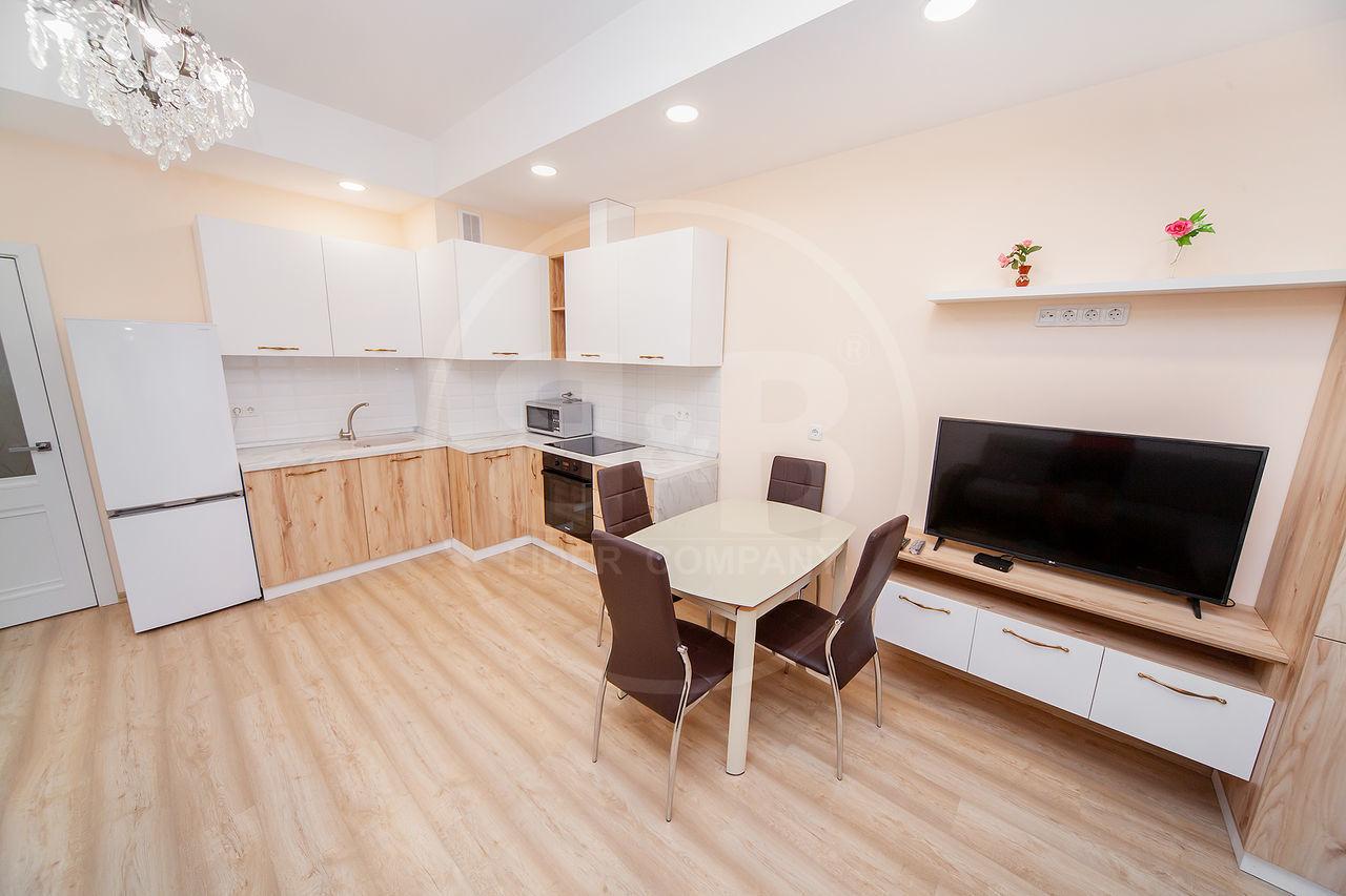 Chirie Centru Str. Lev Tolstoi! Apartament cu 1 cameră + living 58 m.p!
