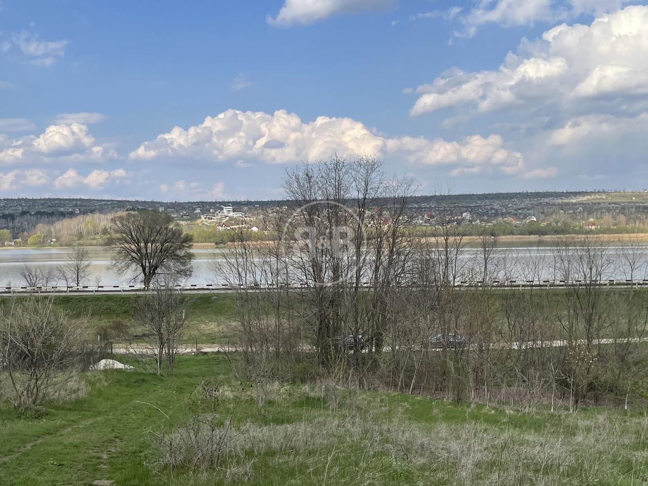 Se vinde teren pentru construcție 20 ari pentru construcție s. Dănceni str. Iazului