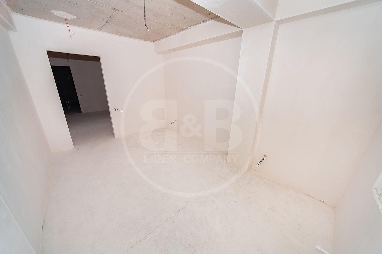 Se vinde penthouse, Botanica,str Decebal 111,8 m2 !!