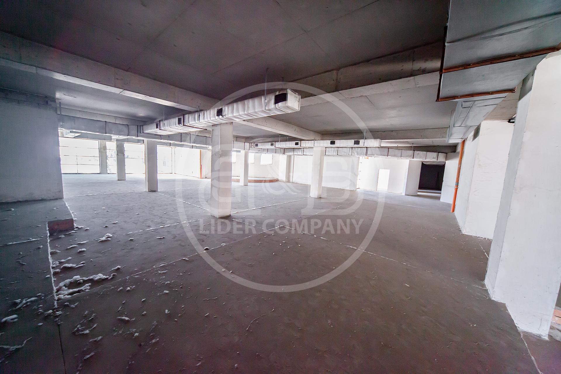Spatiu comercial 700 m2 Prima linie variantă sură , Botanica str. Decebal 549 euro/m2