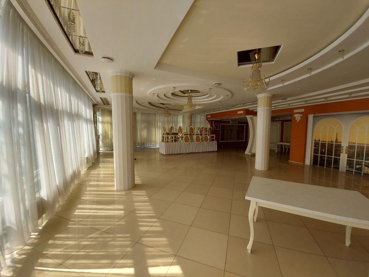 Se vinde centru comercial,Albișoara