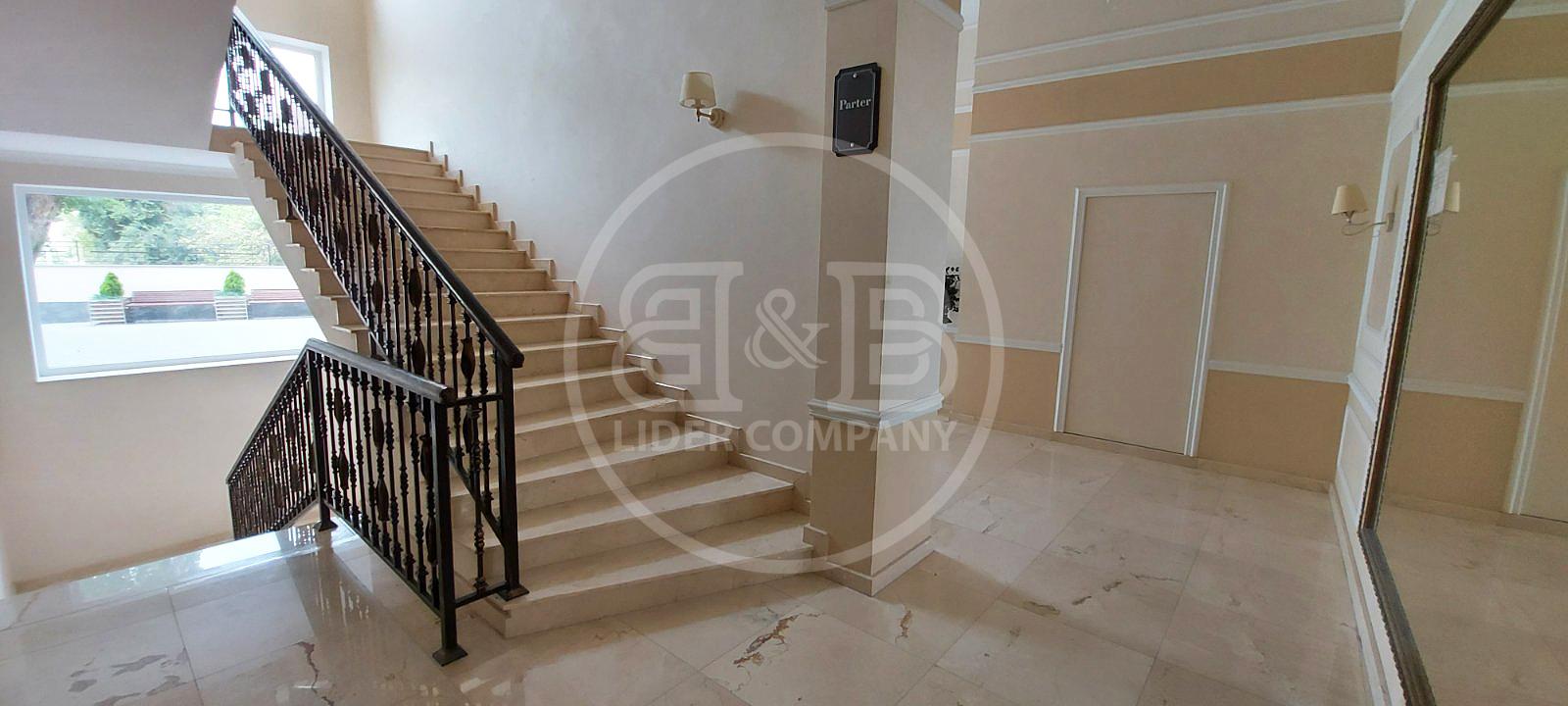 Complexul Estate White House